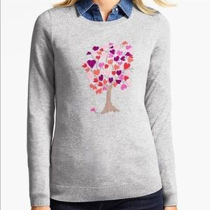 Gray crew neck sweater tree with hearts graphic L
